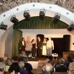 Theater im Keller mit den Gauklern